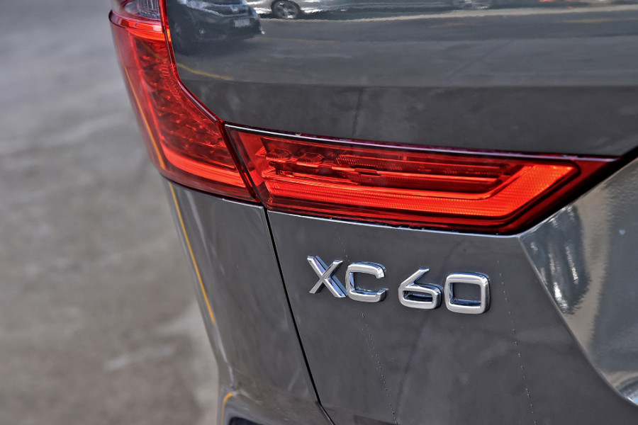 2019 Volvo XC60 UZ D4 Inscription Suv Mobile Image 25