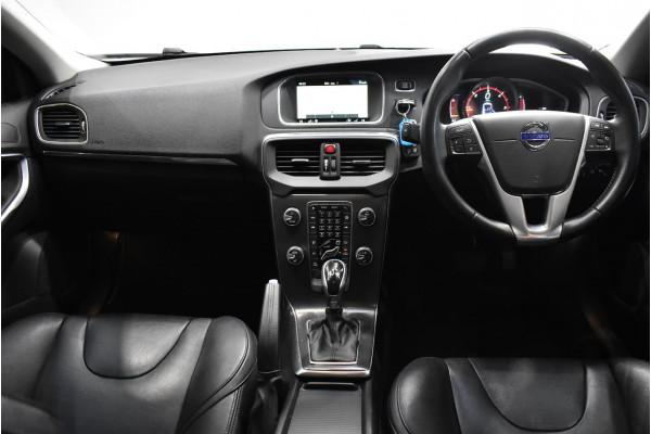 2015 Volvo V40 (No Series) MY16 D4 Luxury Hatchback Image 5