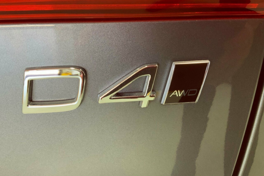 2018 MY19 Volvo XC60 246 MY19 D4 Momentum (AWD) Suv Mobile Image 21
