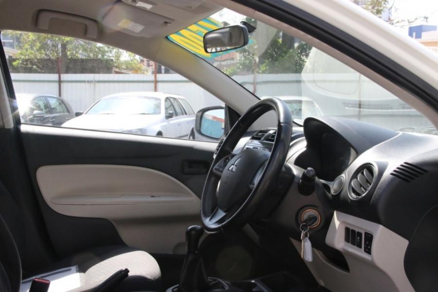 2013 MY14 Mitsubishi Mirage LA ES Hatchback Image 10