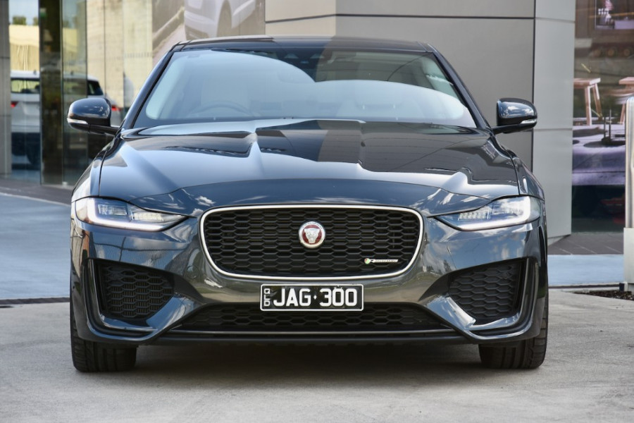 2019 MY20 Jaguar XE X760 R-Dynamic SE Sedan Image 2