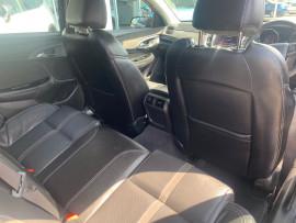 2016 Holden Commodore VF II  SS V Sedan image 18
