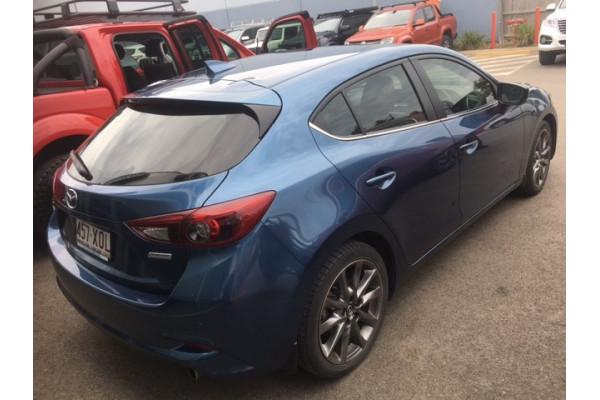 2017 Mazda 3 BN5438 SP25 Hatchback Image 3