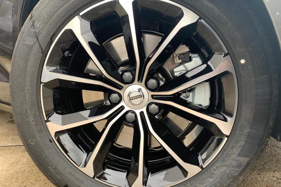2020 Volvo V60 (No Series) T5 Momentum Wagon Mobile Image 4