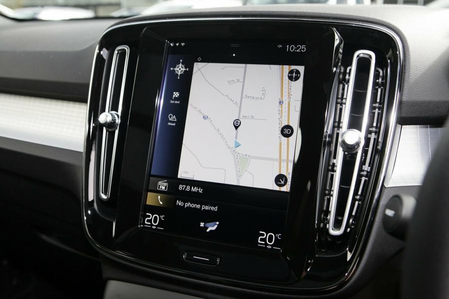 2019 Volvo XC40 XZ MY19 T4 Momentum Suv Mobile Image 13