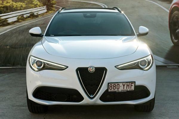 2018 Alfa Romeo Stelvio Ti Suv Image 3