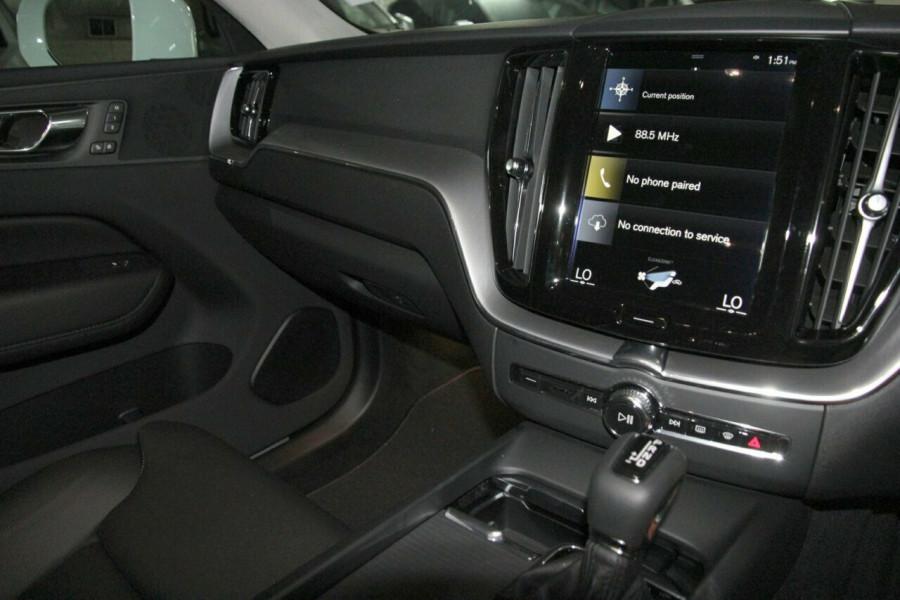 2019 MY20 Volvo XC60 UZ D4 Momentum Suv Mobile Image 10