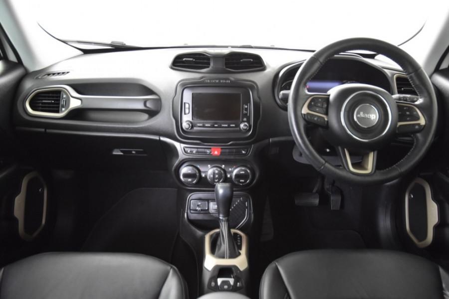 2015 Jeep Renegade BU Limited Hatchback Image 8