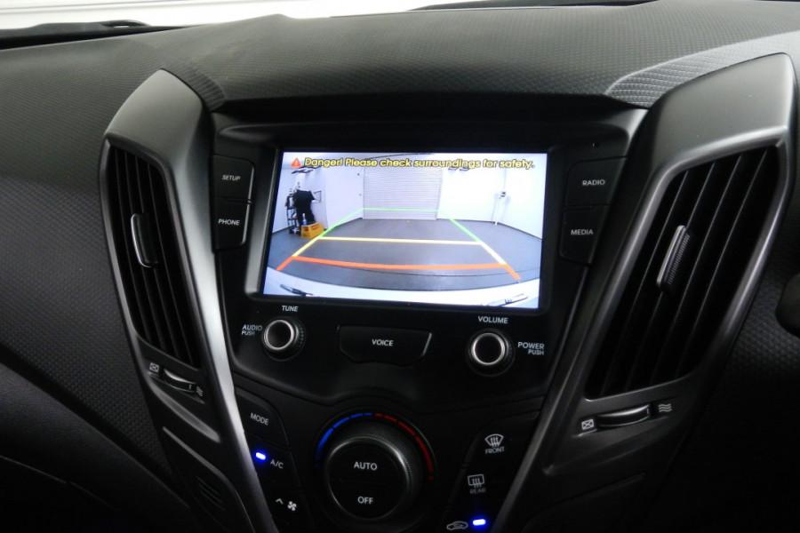 2016 Hyundai Veloster FS4 Series II SR Hatchback Mobile Image 13