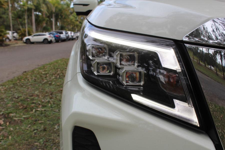 2021 Nissan Navara D23 Dual Cab ST-X Pick Up 4x4 Utility Image 10