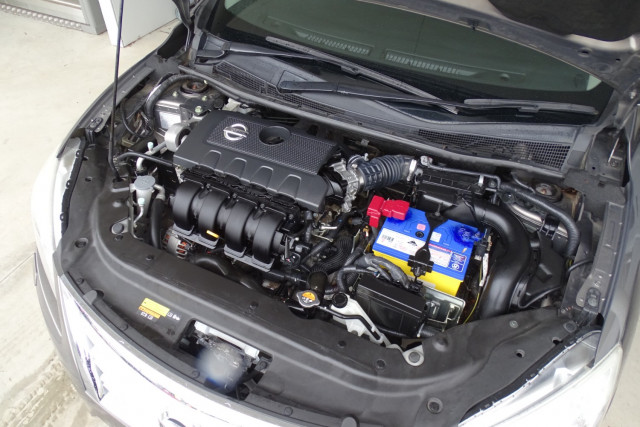 2013 Nissan Pulsar Ti 13 of 26