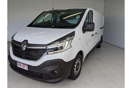 2020 Renault Trafic L2H1 Long Wheelbase Premium Van Image 2