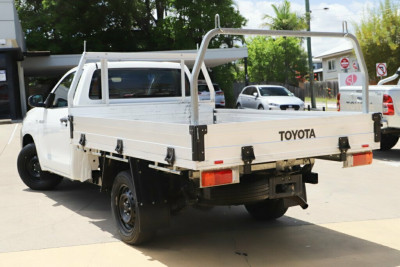 2016 Toyota Hilux GUN122R Workmate 4x2 Cab chassis Image 2