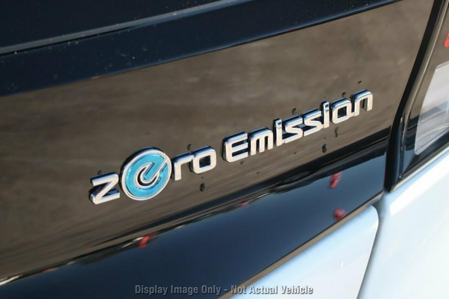 2021 Nissan LEAF ZE1 E Plus Hatchback Image 19