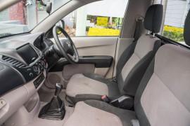 2011 Mitsubishi Triton MN MY11 GL Cab chassis Image 5