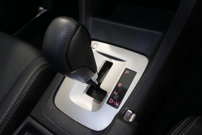 2014 Subaru XV G4-X 2.0i-S Suv Image 12