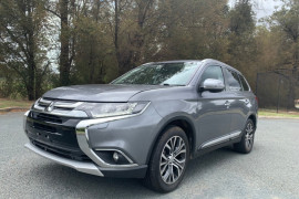 Mitsubishi Outlander Exceed ZK