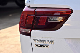 2018 MYce Volkswagen Tiguan 5N Comfortline Suv