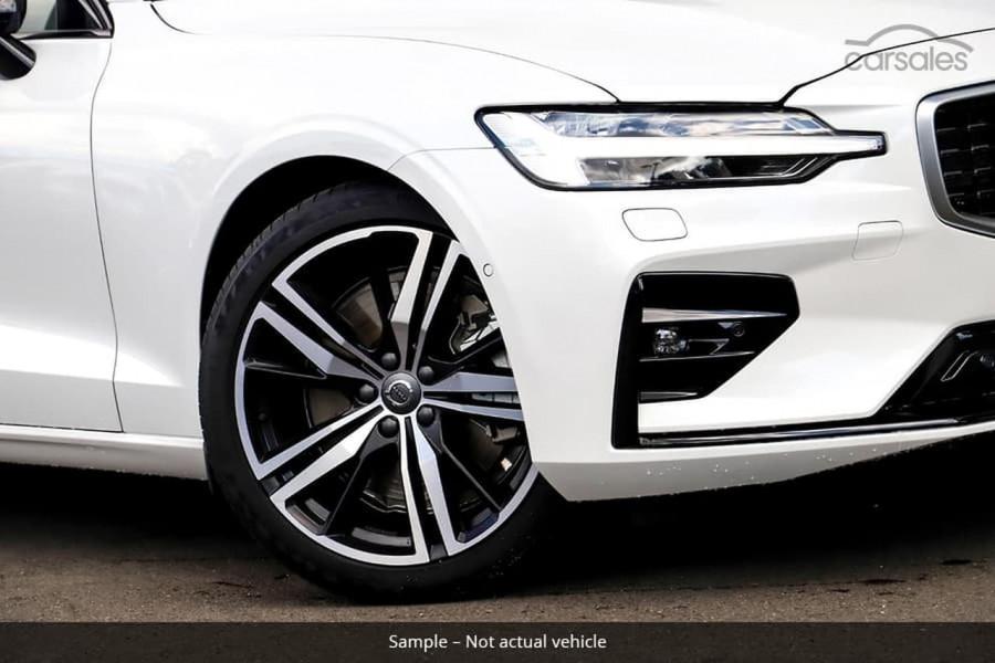 2021 Volvo S60 Z Series T5 R-Design Sedan Image 11