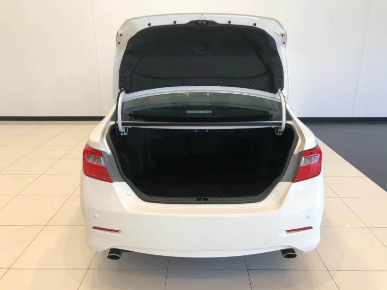 2017 Toyota Aurion GSV50R AT-X Sedan Image 12