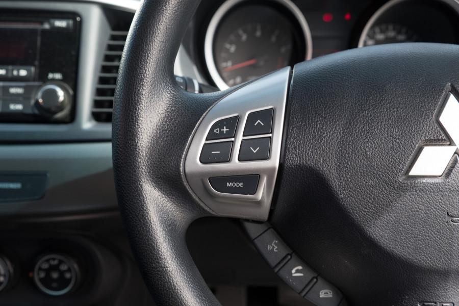2013 Mitsubishi Lancer Image 18