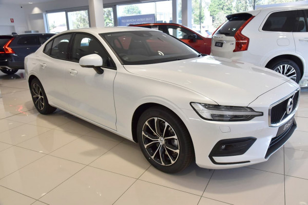 2020 Volvo S60 Z Series T5 Momentum Sedan