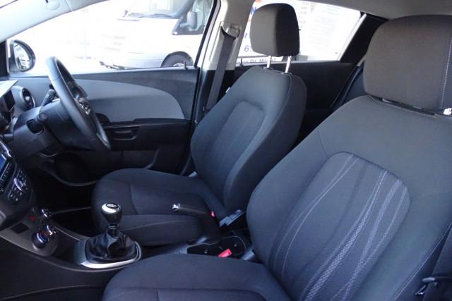 2012 Holden Barina CD Hatch 6 of 22