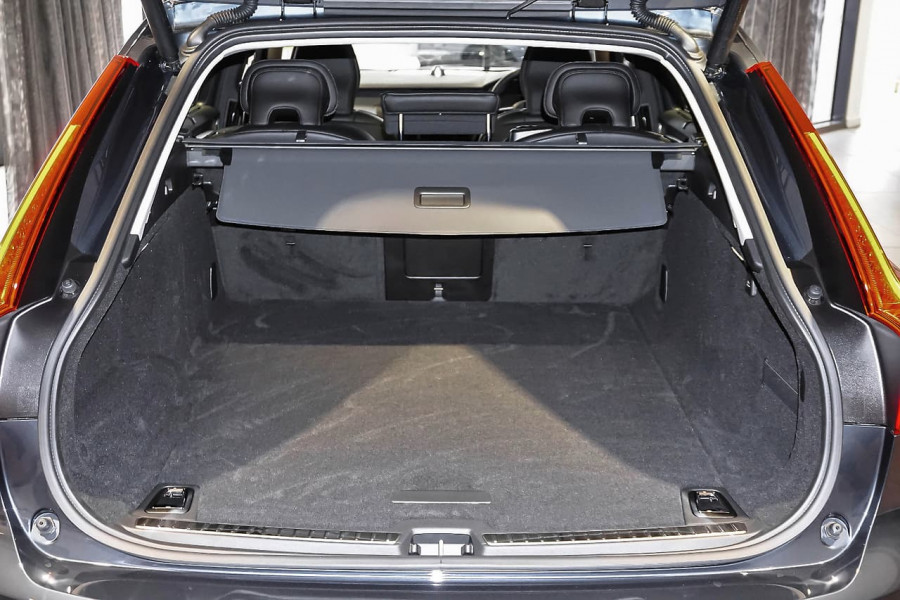 2018 Volvo V90 Cross Country D5 Inscription Wagon Mobile Image 9
