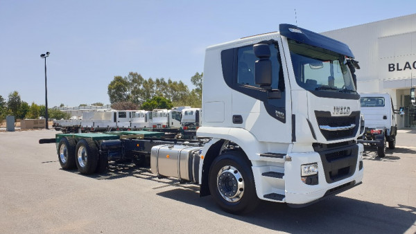 2020 Iveco Stralis AT310 Cab chassis