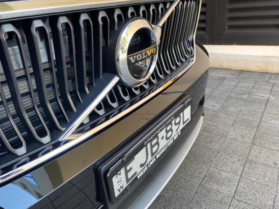 2021 Volvo XC40 XZ T4 Momentum Suv Image 9