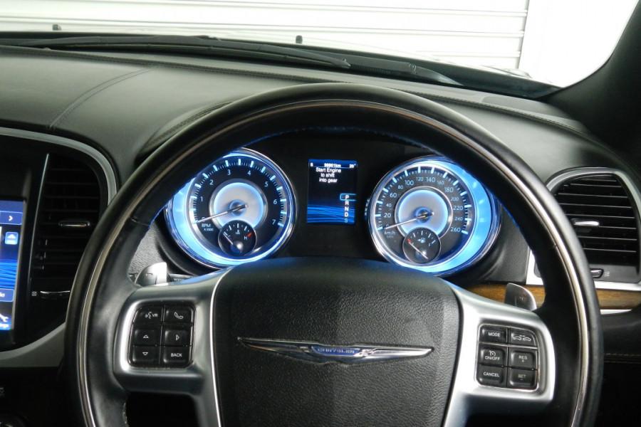 2012 MY13 Chrysler 300 LX C Sedan Mobile Image 11