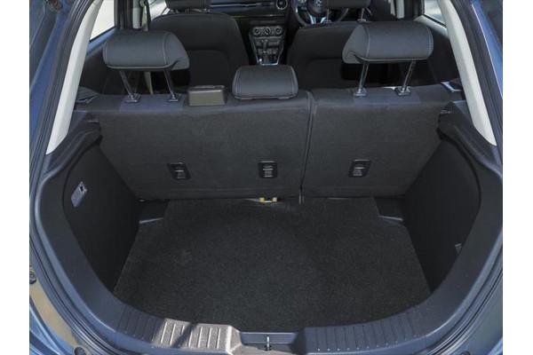 2016 Mazda 2 DJ Series Maxx Hatchback Image 3