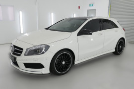 2015 MY06 Mercedes-Benz A-class W176 806MY A200 Hatchback Image 3