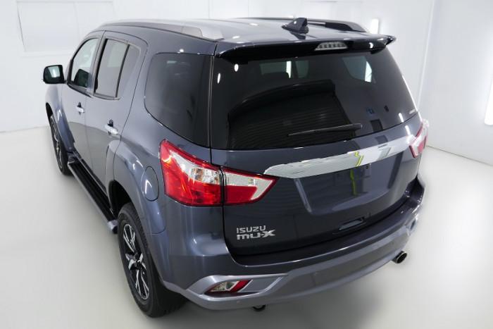 2019 Isuzu UTE MU-X LS-T 4x4 Wagon Image 22