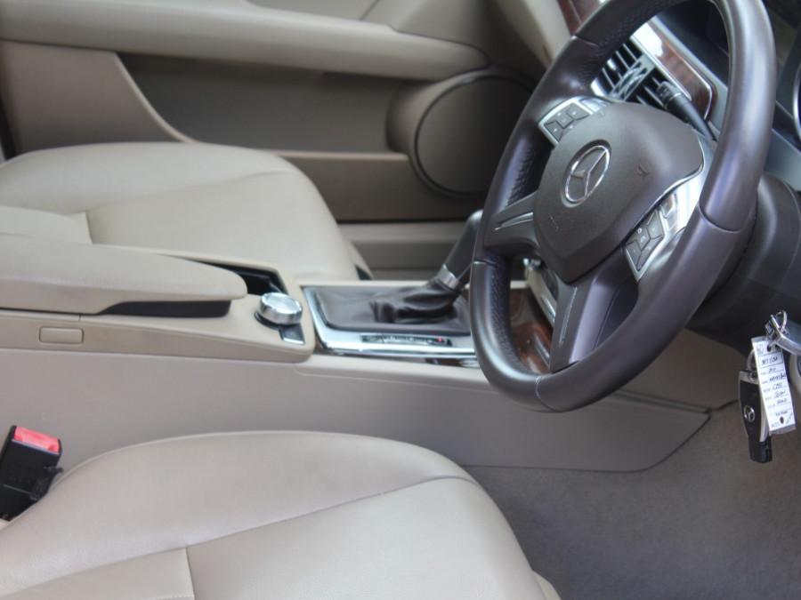 2011 Mercedes-Benz C-class W204  C250 BlueE Elegance Sedan