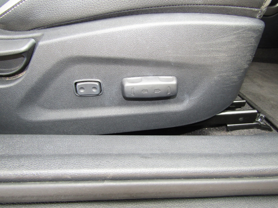2017 Hyundai Veloster FS5 Series II SR Turbo Hatchback Image 23