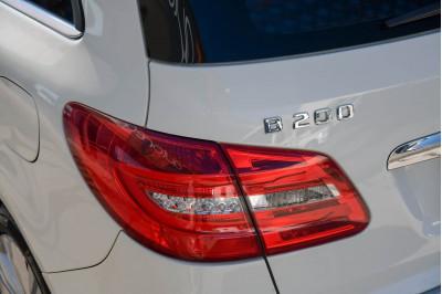 2013 Mercedes-Benz B-class W246 B200 BlueEFFICIENCY Hatchback Image 4