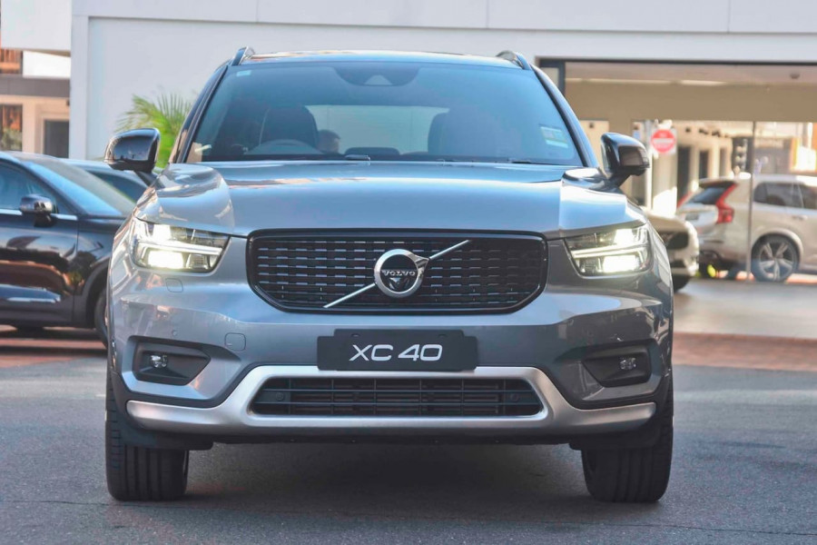 2019 [SOLD]    Mobile Image 2