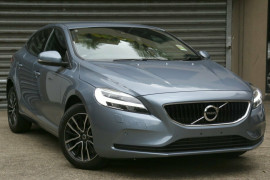 Volvo V40 D2 Adap Geartronic Momentum M Series