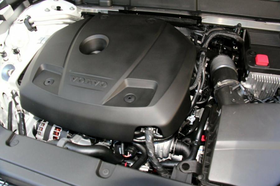 2019 MY20 Volvo XC60 UZ T5 Momentum Suv Mobile Image 20