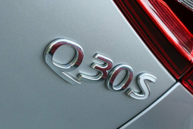 2016 Infiniti Q30 H15 Sport D-CT Suv Image 10