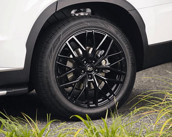 "<img src=""20"" Busan gloss black alloy wheel with TPMS"