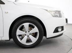 2010 Holden Cruze JG CDX Sedan Image 5