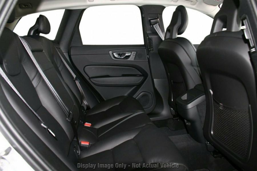 2018 MY19 Volvo XC60 UZ T5 Momentum Suv Mobile Image 8