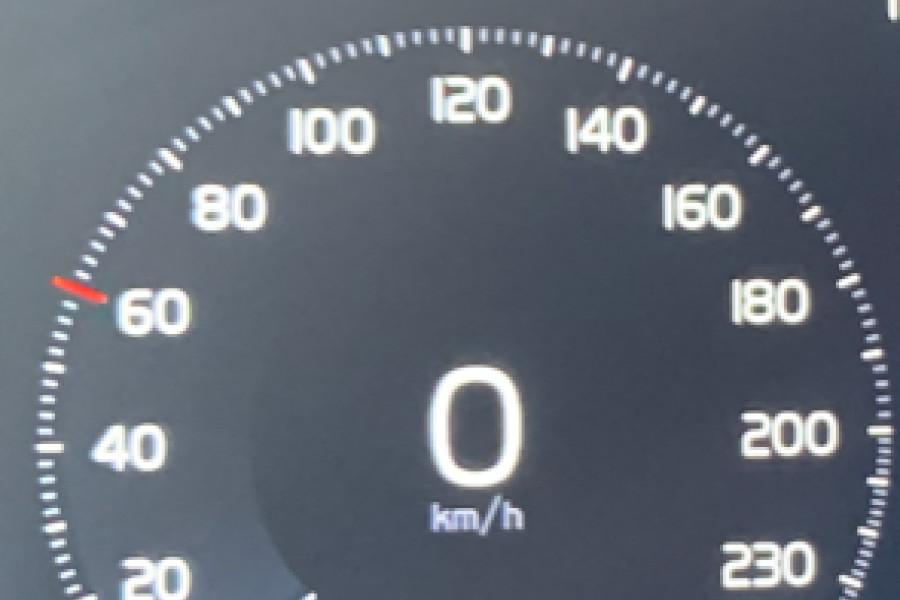 2020 Volvo V60 T5 R-Design T5 R-Design Wagon Mobile Image 26