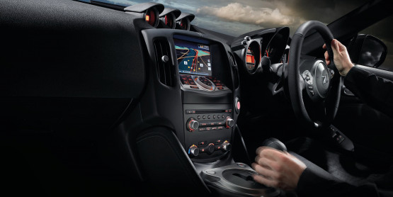 370Z Interior and Technology