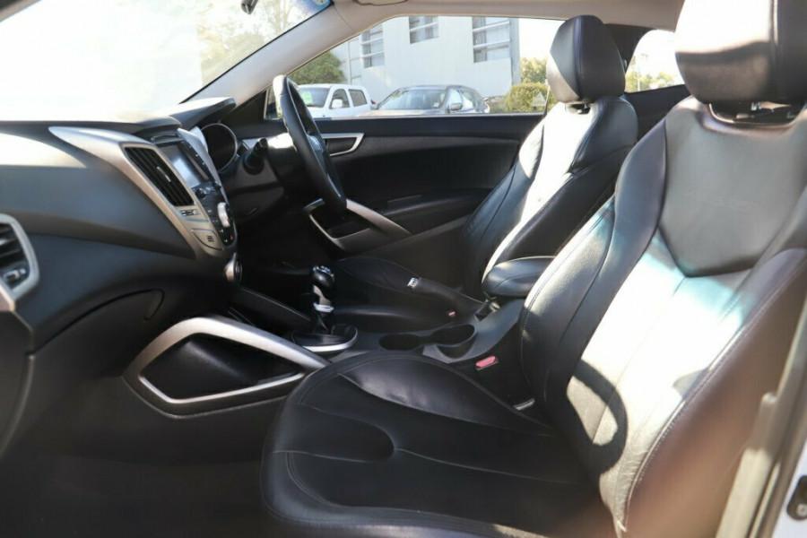 2011 Hyundai Veloster FS + Coupe Hatchback