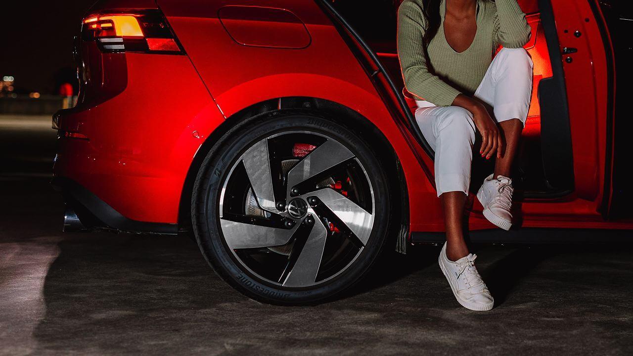 Arrive in style Wheels Image