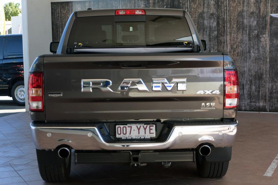 2019 MY18 Ram 1500 Rambox Utility crew cab Mobile Image 5