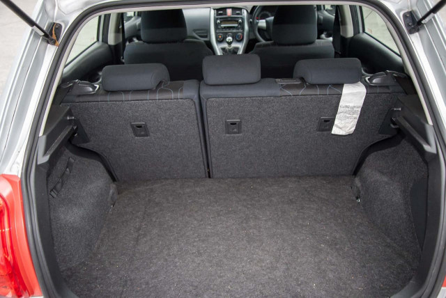2010 Toyota Corolla ZRE152R MY11 Ascent Hatchback Image 21